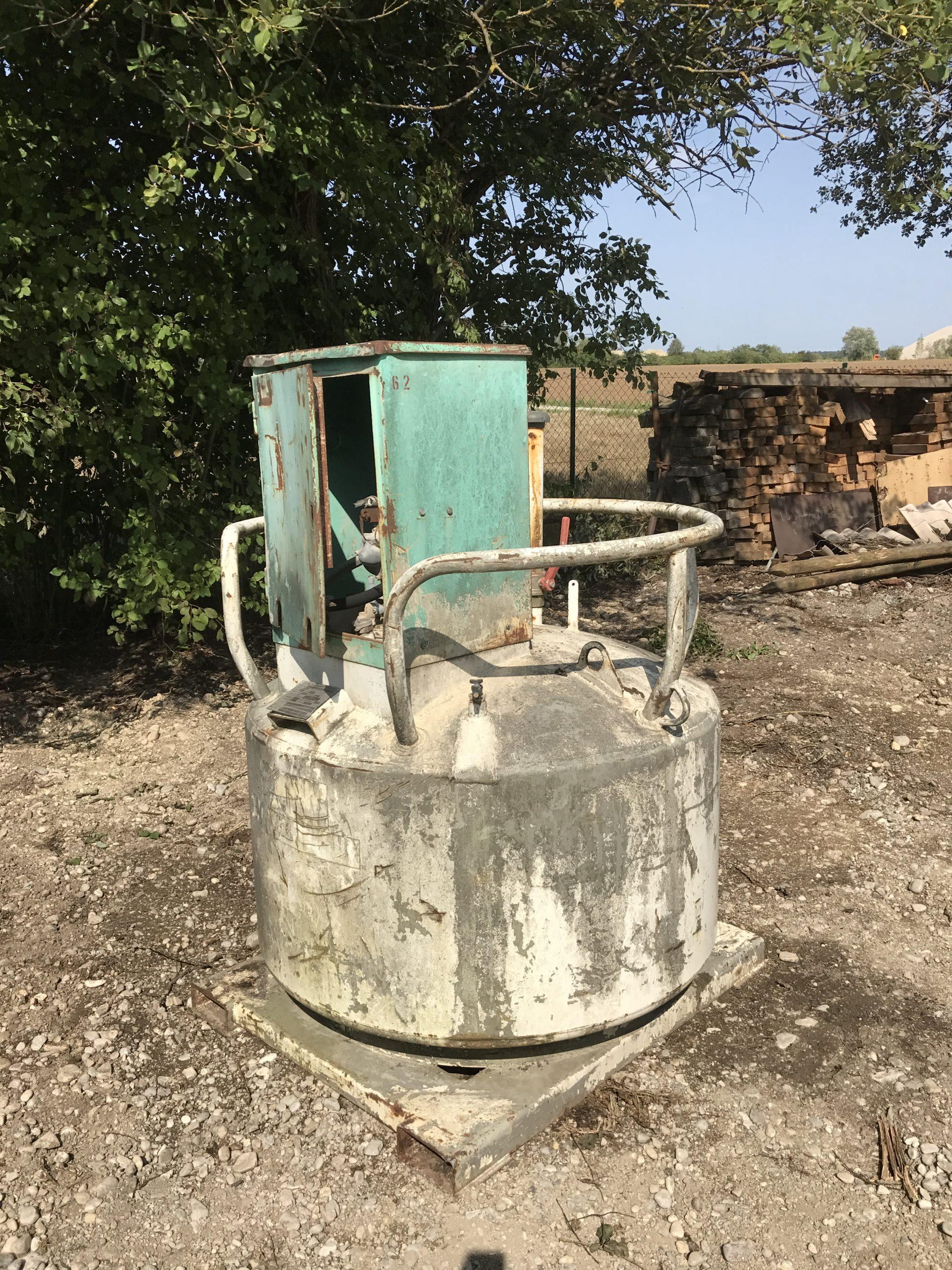 Baustellen Tank